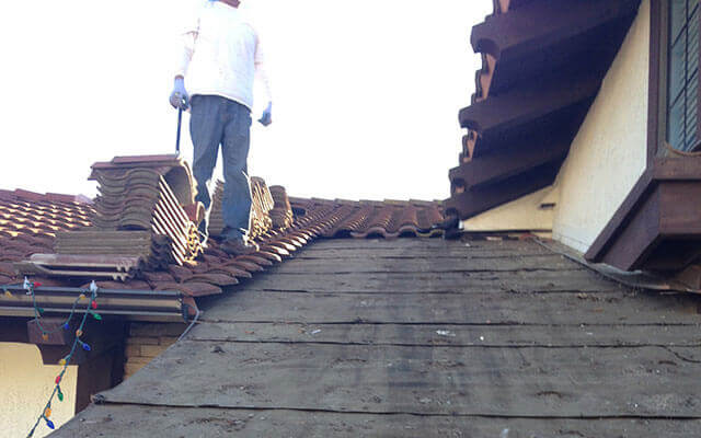Residential & Commercial Roof Repair Service